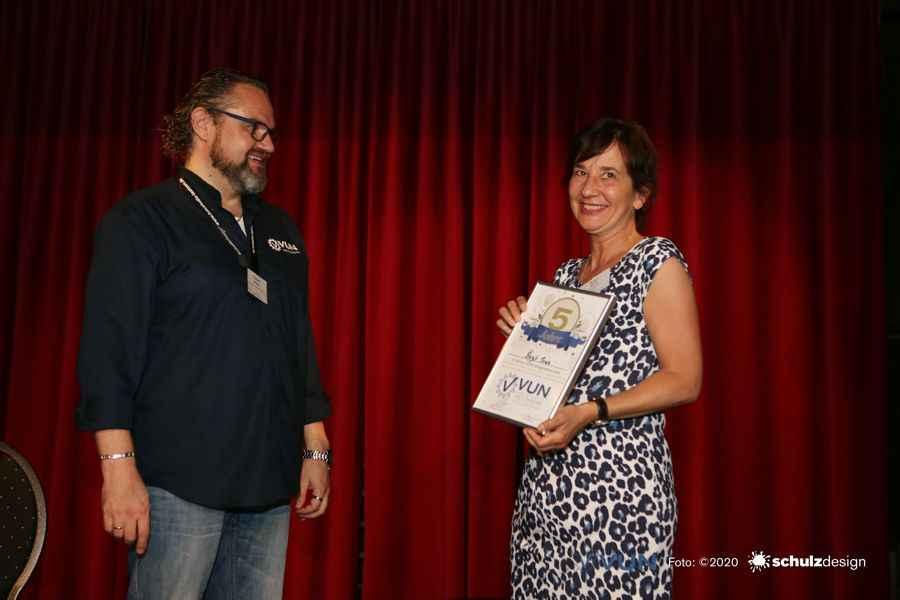 Das VUN-Netzwerk ehrt Birgit Thuro für 5-Jahre Mitgliedschaft im Netzwerk